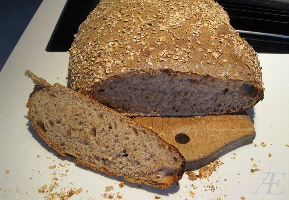 Hjemmebagt hvede brød med surdej