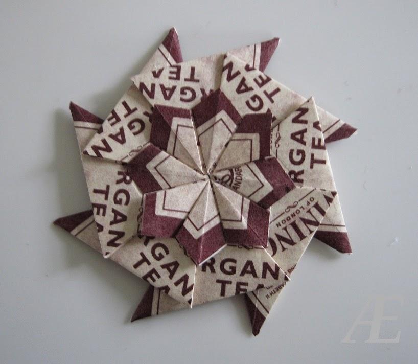 Hjemmelavet origami stjerne af tebreve