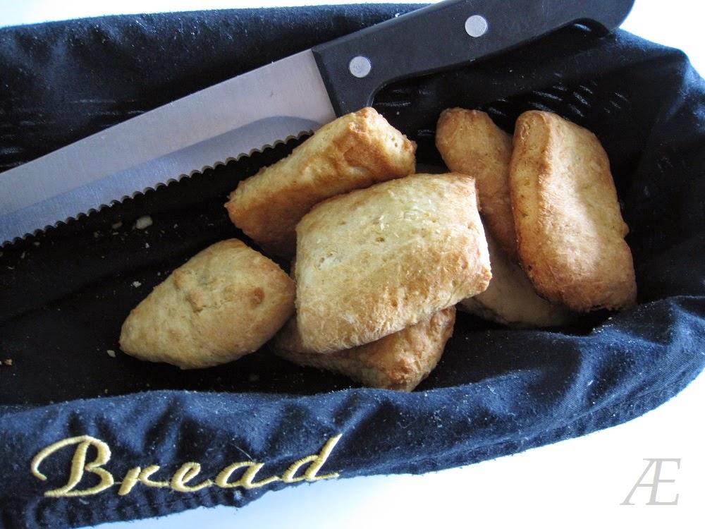 Nybagte scones med opskrift