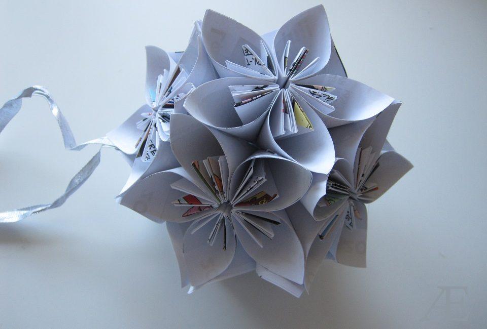 Den færdige origami kusudama bold