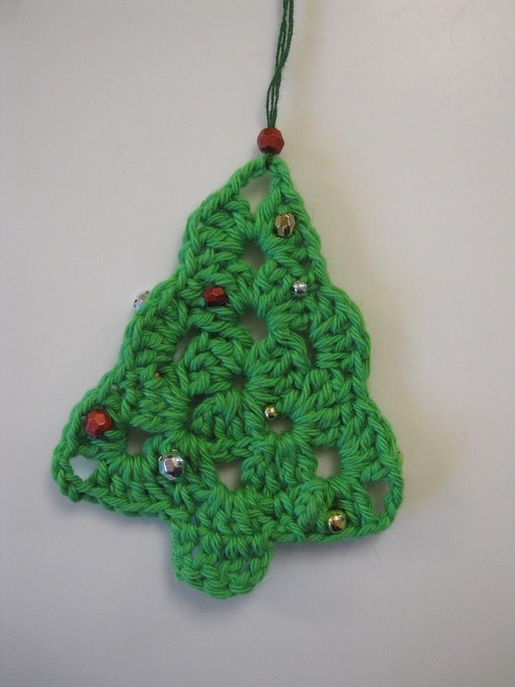 Guide til hæklede juletræer med pynt