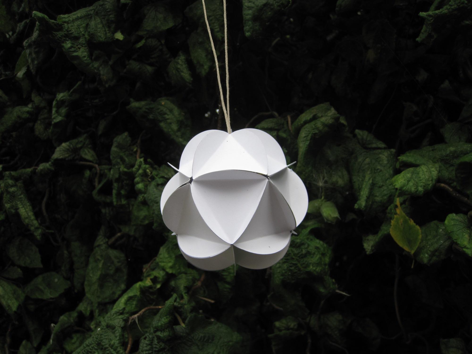 Guide til en hjemmelavet papirbold