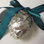 Hjemmelavet julepynt - sølv kogler