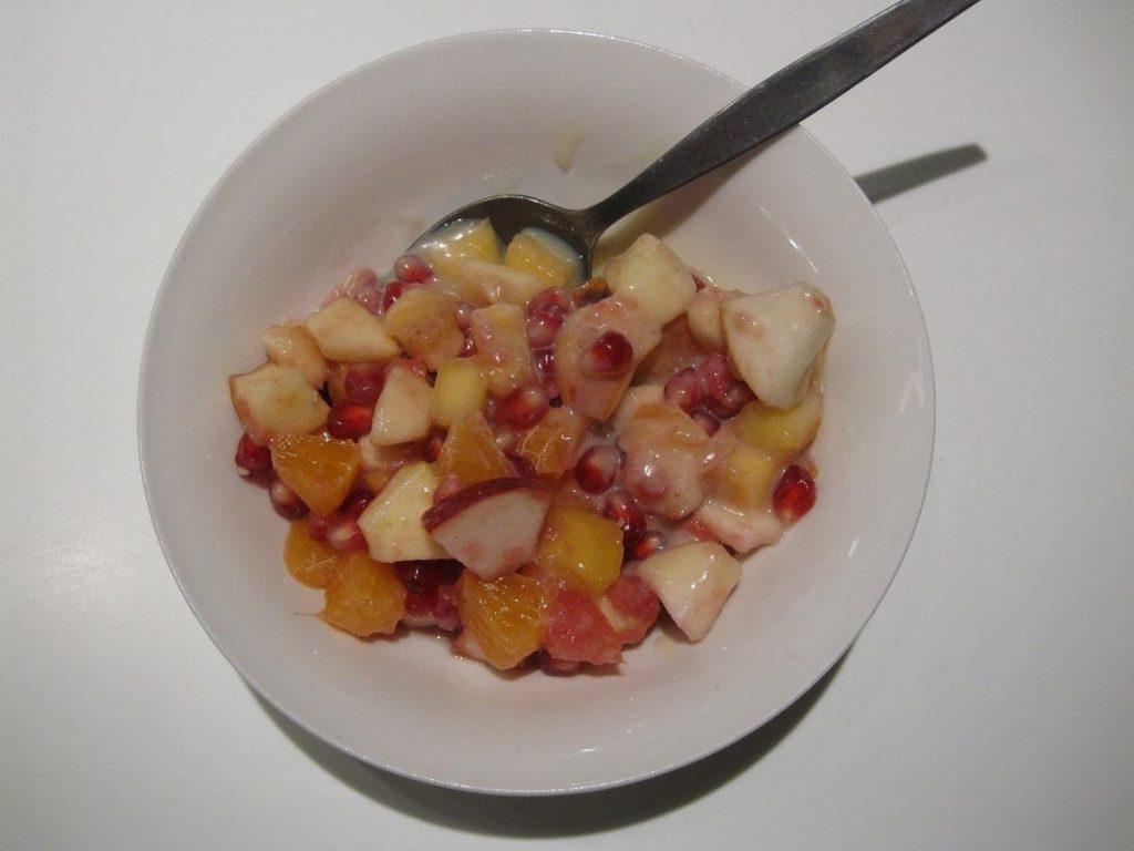 opskrift på spændende frugtsalat