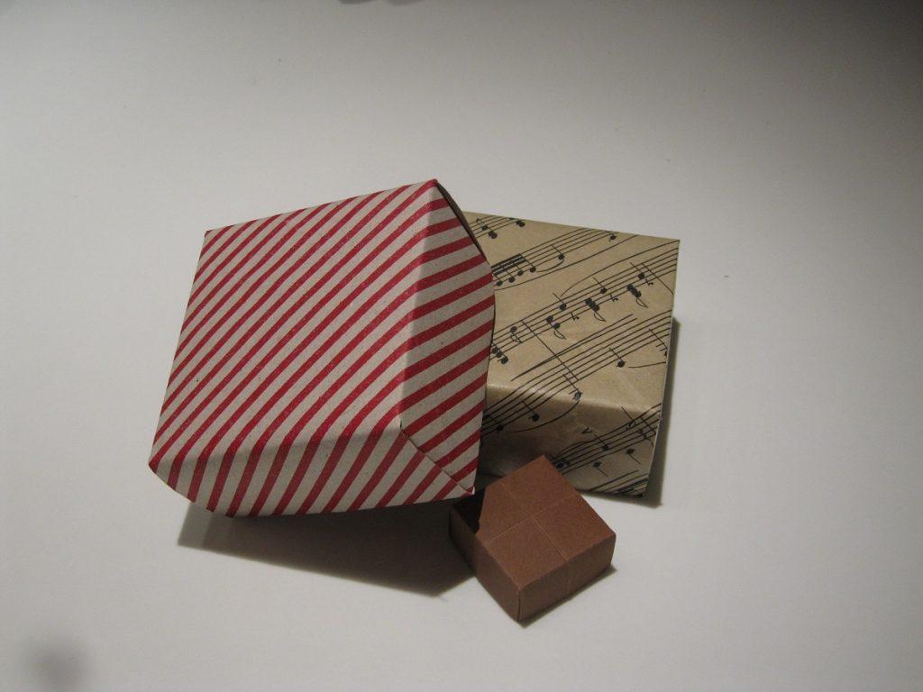 Foldede æsker af papir - DIY