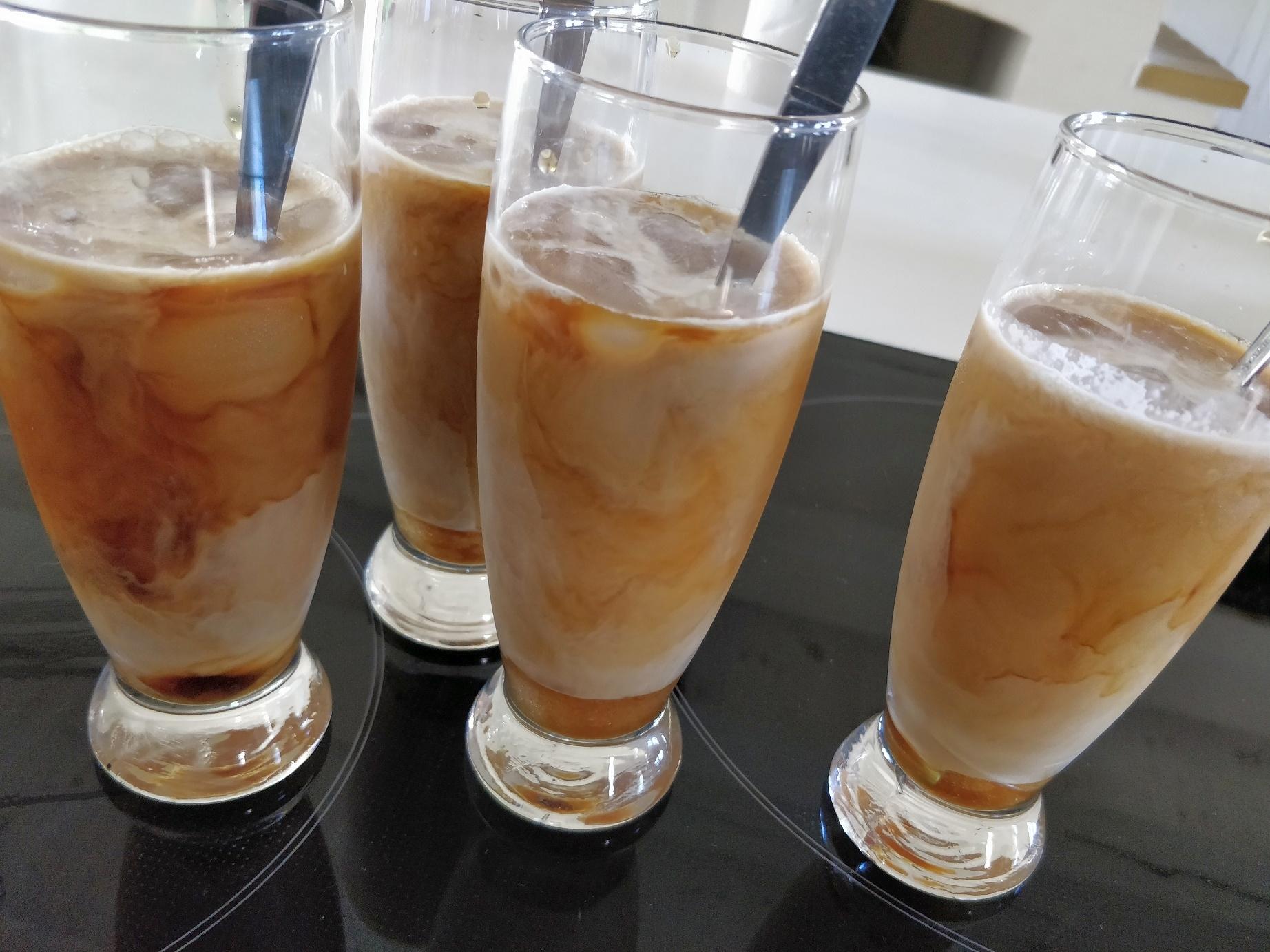 Iskaffe med coldbrew og fløde