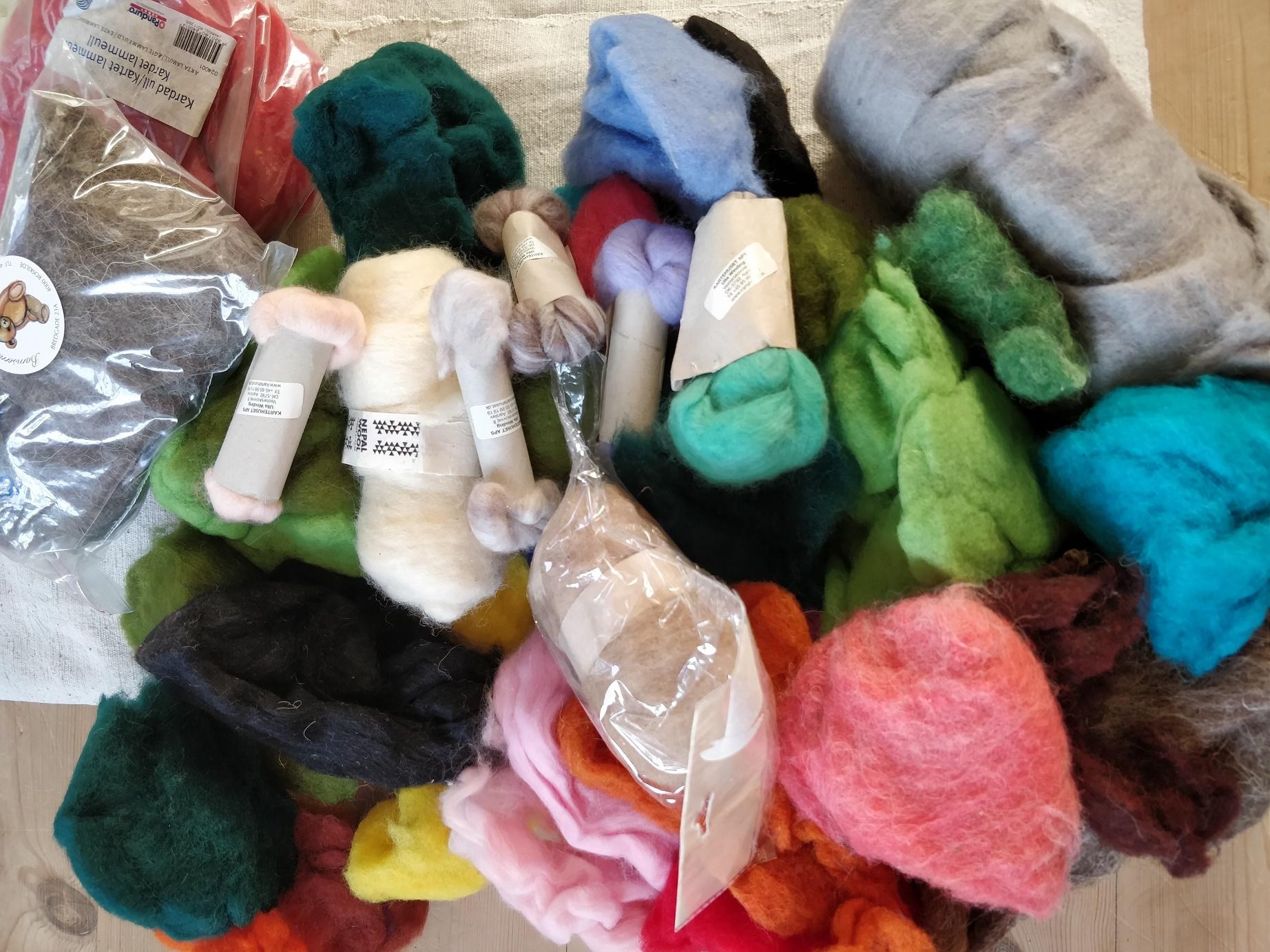 En hel bunke uld til filtning
