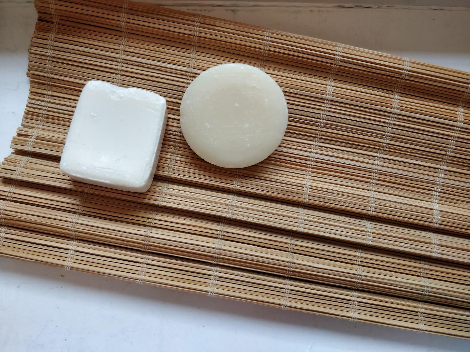 Bambusmåtte og sæbe til filtning
